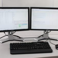arbeiten am pc effizienter mit zwei monitoren. Black Bedroom Furniture Sets. Home Design Ideas