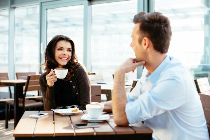 Networking: So knüpfen Berufseinsteiger Kontakte!