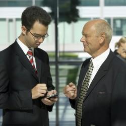Coaching im Außendienst: Top-Verkäufer nutzen die Bordstein-Konferenz