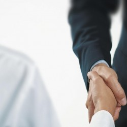 Mehr Erfolg im Verkauf: Mit der richtigen Körpersprache überzeugen Sie jeden Kunden