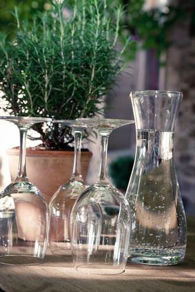 Kräuter eignen sich hervorragend als Tischdekoration