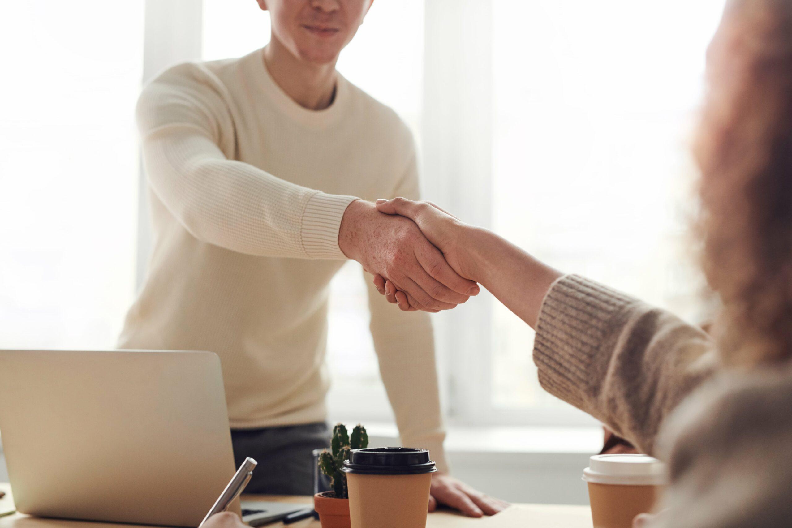 7 Verhandlungsstrategien: Durchboxen zum Erfolg!