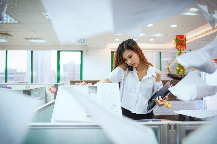 Konzentriert arbeiten im Großraumbüro: 4 Tipps