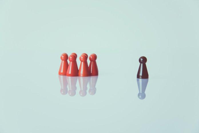 """""""Leading from Behind"""": Wie die Führung von morgen gelingt [Rezension]"""