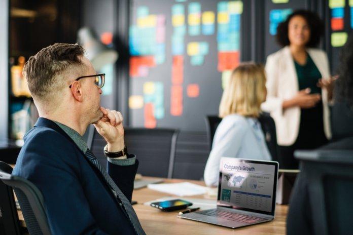 So wird dein Team-Meeting zum Erfolg [Checkliste]