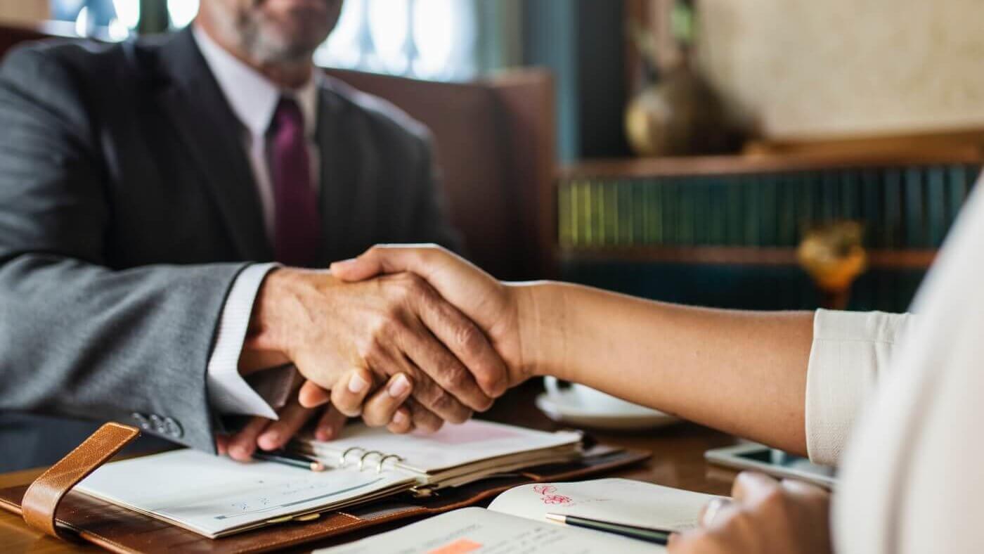 10 Verhandlungstechniken für Gründer