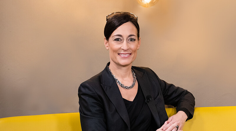 Trust Building: Nadine Dlouhy im Experten-Interview