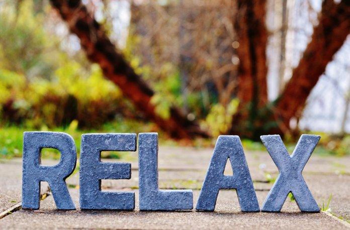 """""""Urlaubsfeeling im Büro"""": Entspannt durch den Job-Alltag [Rezension]"""