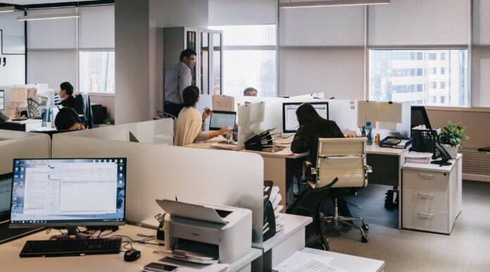 Arbeitsschutz im Winter & Sommer: Deine Checkliste