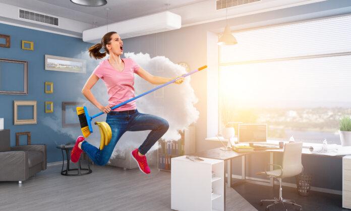 Frühjahrsputz im Büro: 6 Tipps, wie dir das Ausmisten gelingt