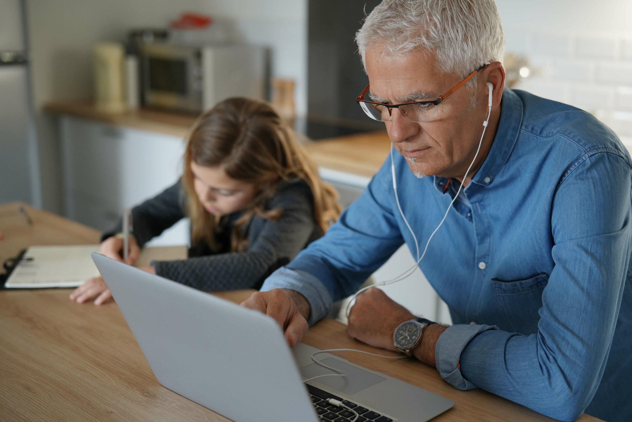 Kinderbetreuung im Homeoffice: 7 Tipps