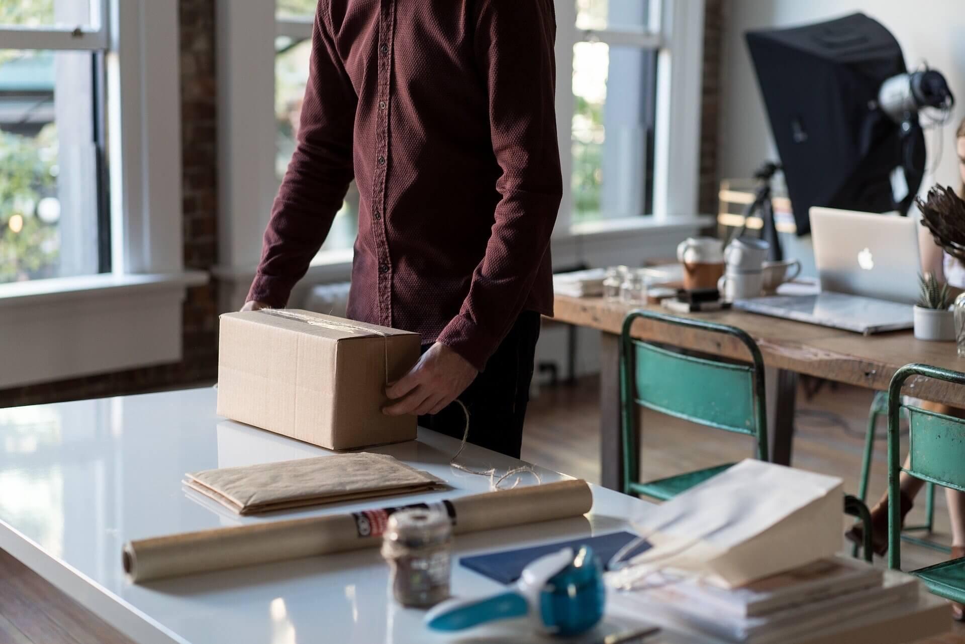 Versandhandel: So verpackst du nachhaltig und platzsparend