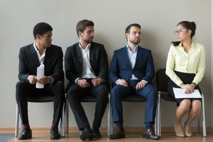 Werden Frauen in Führungspositionen stärker diskriminiert?
