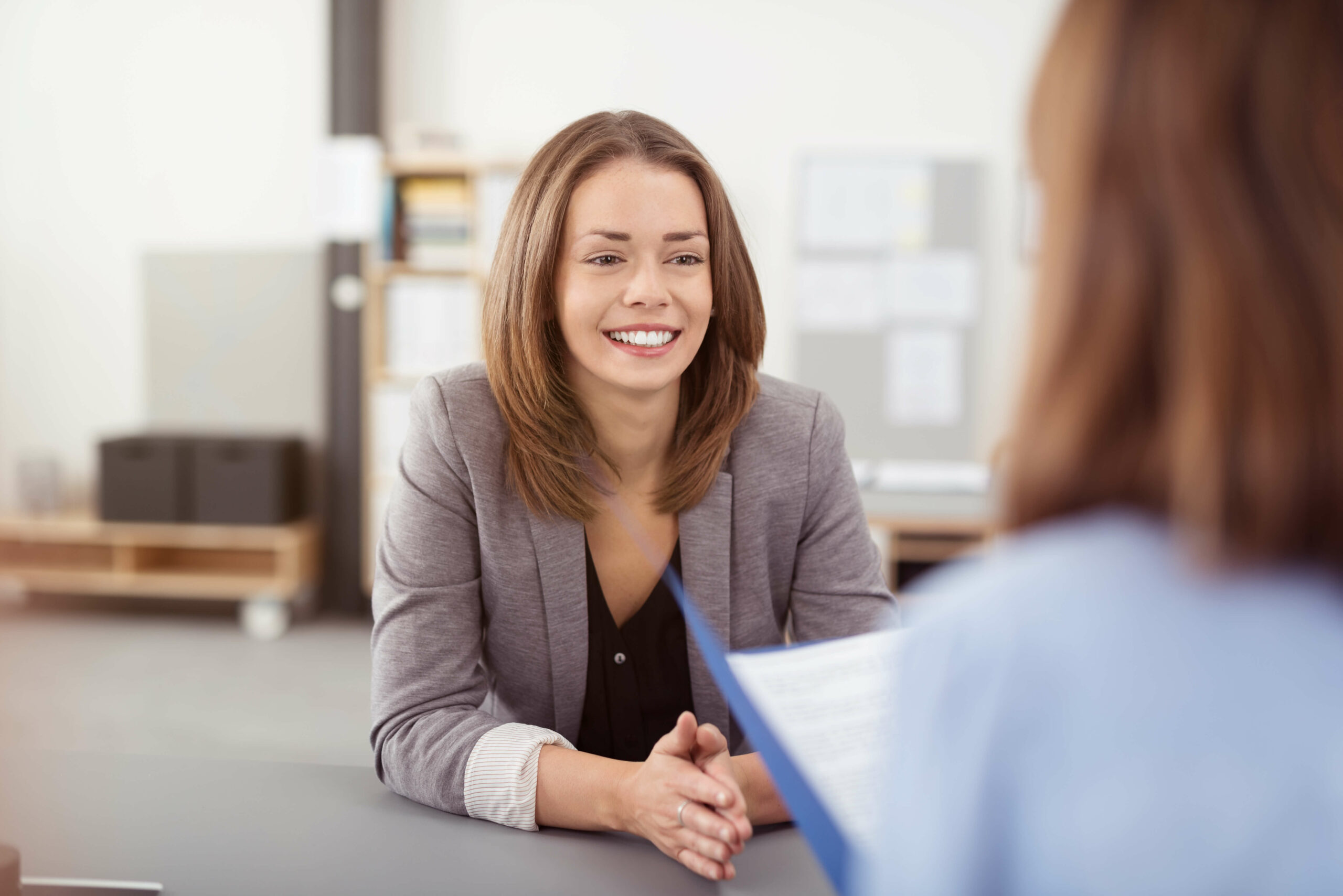 Corona: 4 Fragen, die du im Bewerbungsgespräch stellen solltest