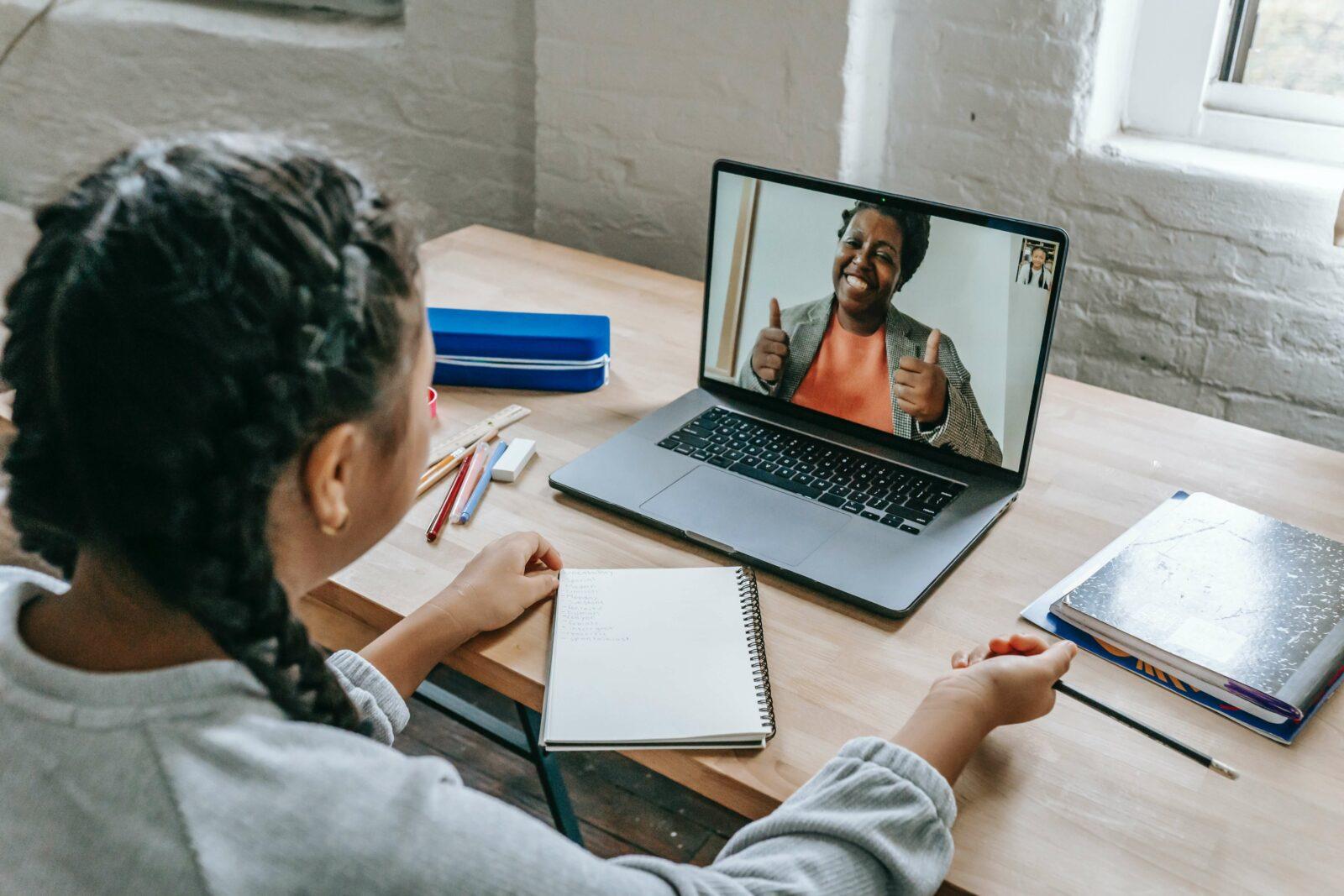 Bei Kindern abgeschaut: 7 Tipps für Videokonferenzen