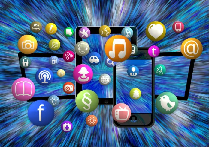 Bildgrößen für Social Media 2021: Instagram, Facebook, TikTok & Co.