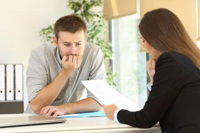 Schwierige Gespräche im Job führen: Mit diesen Tipps klappt's!
