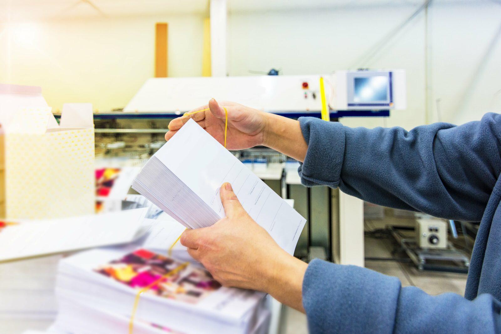 """Gegen digitale Müdigkeit: Mit diesen 5 Tipps wirst du zum """"Printfluencer"""""""