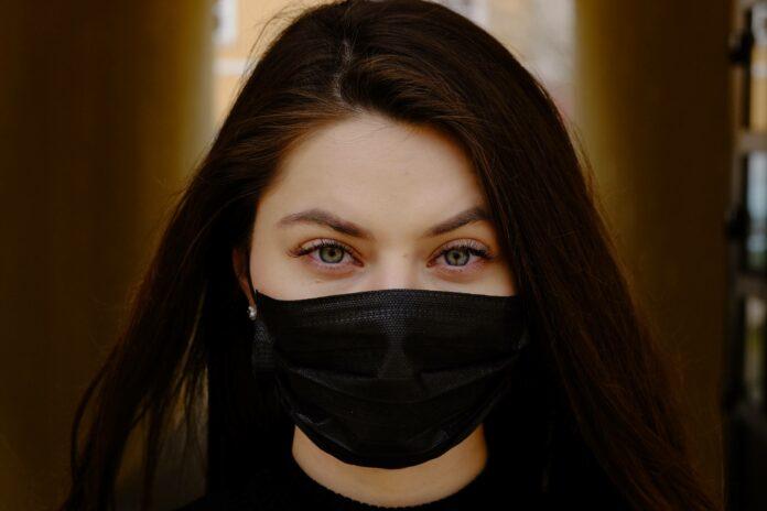 Kommunikation mit Maske: Tipps & Tricks für ein kompetentes Auftreten