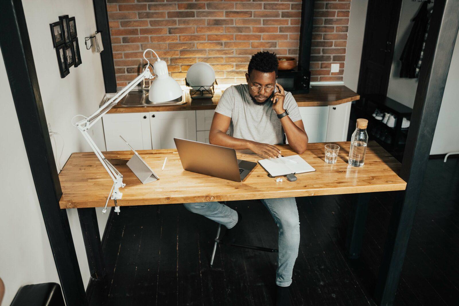 5 Gadgets für deinen perfekten Homeoffice Arbeitsplatz