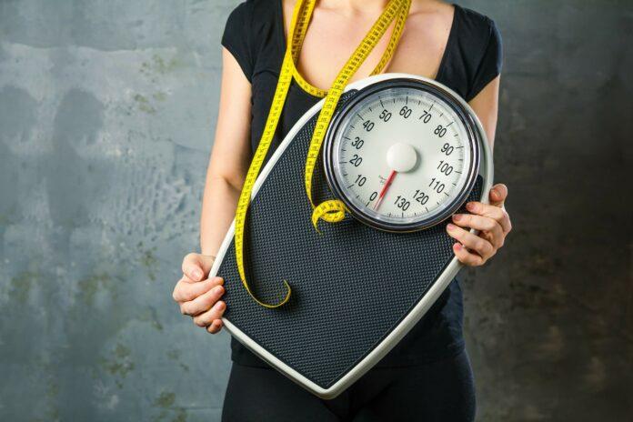 Abnehmen ist Kopfsache! Wie Business-Frauen ohne Sport ihre Kilos verlieren