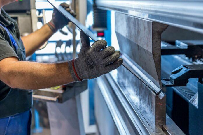 Blechbearbeitung in der Übersicht: Darum ist die Industrie so gefragt